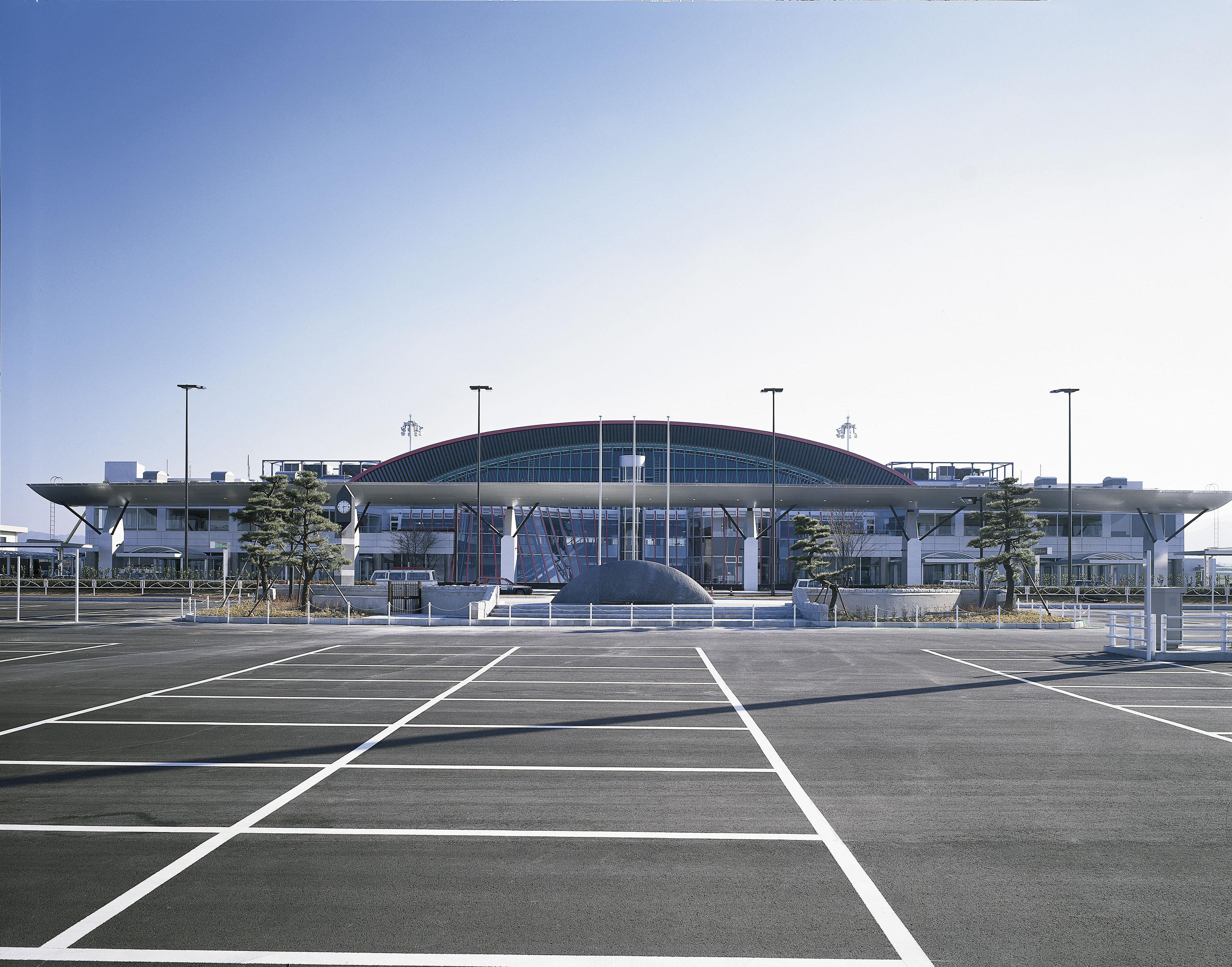 高松空港到着後からレンタカーを利用するまでの流れ